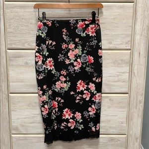 EXPRESS Floral skirt (Size 00)